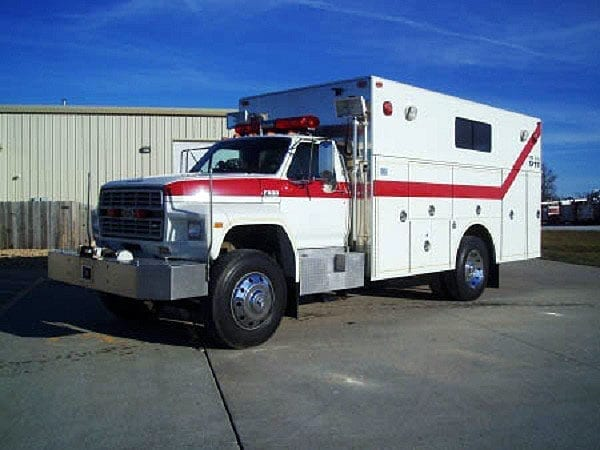 1991 Ford F800 Walk-In Rescue
