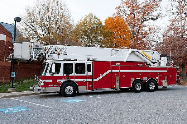Simon Duplex LTI 102' Ladder Tower